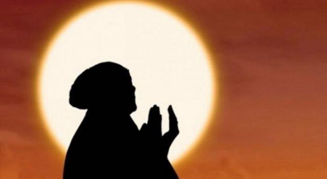 lustrasi-kedahsyatan-sholawat-nabi